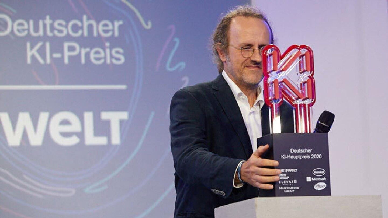Bernhard Schölkopf accepting the German AI Prize.